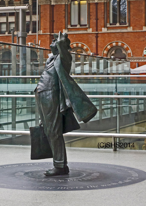 SHSheldon's photo of the Statue of John Betjeman