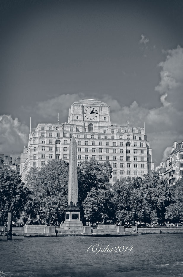 Susan Sheldon's image of the Shell Building in London England