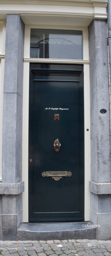 Susan Nolen's photograph of a dutch door